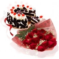 Dozen Roses With Black Forest